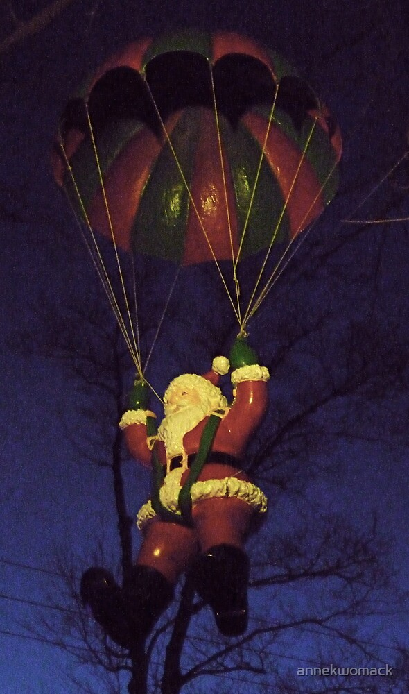 Here Comes Santa Claus... - Milton, Ontario by annekwomack