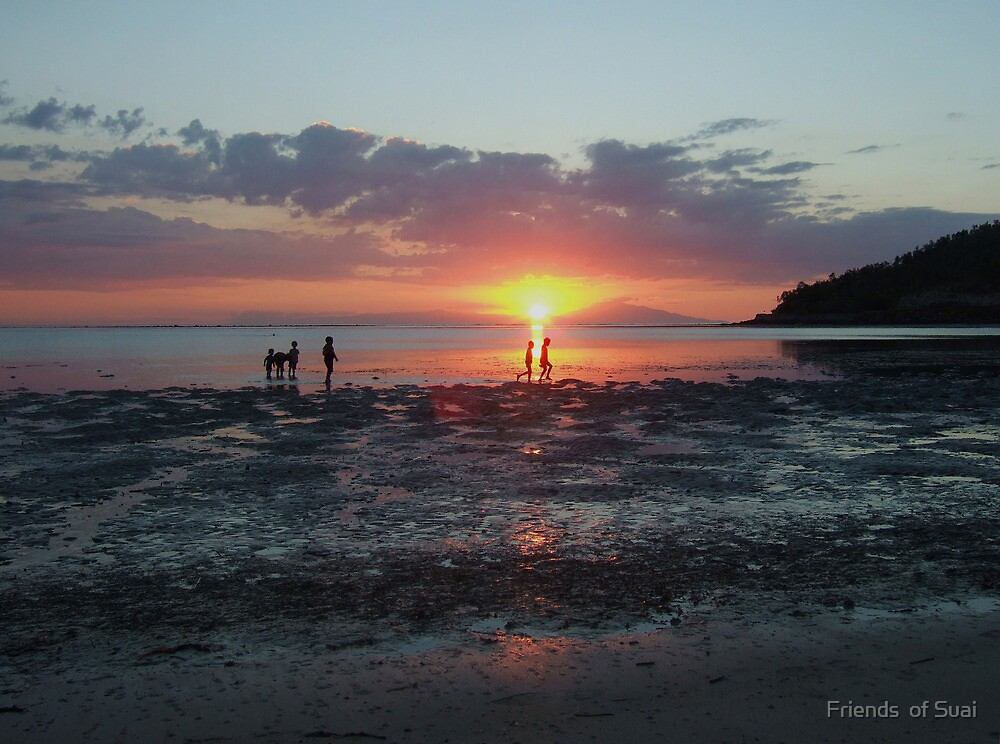Cristo rei beach, Dili, Timor-Leste by Richard Jones by Friends  of Suai