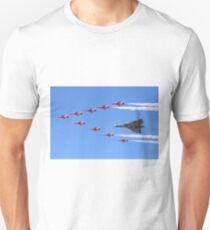 Final Vulcan flight with the Red Arrows 8 Unisex T-Shirt