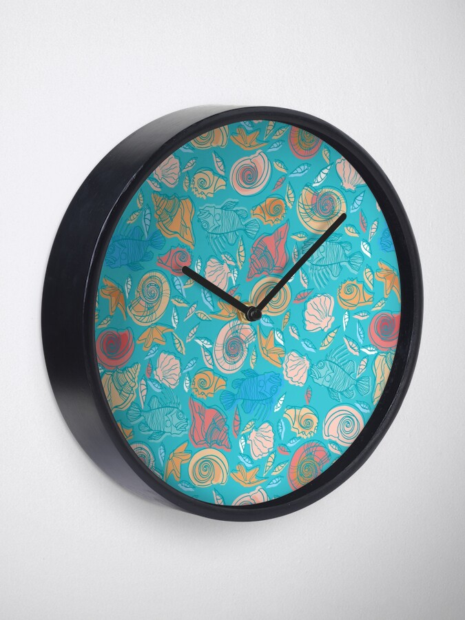 Alternate view of Shells and Fish Pattern Clock