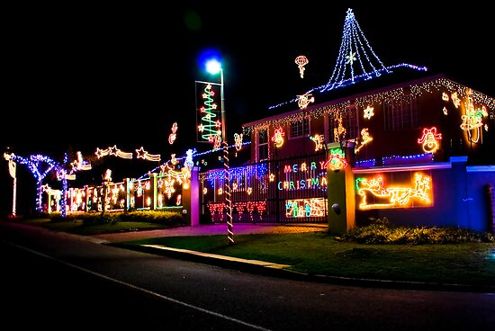 Home Decorated with Xmas Lights by RatManDude