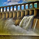 Hume Weir Wall. by Petehamilton