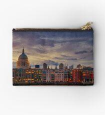 London cityscape Zipper Pouch