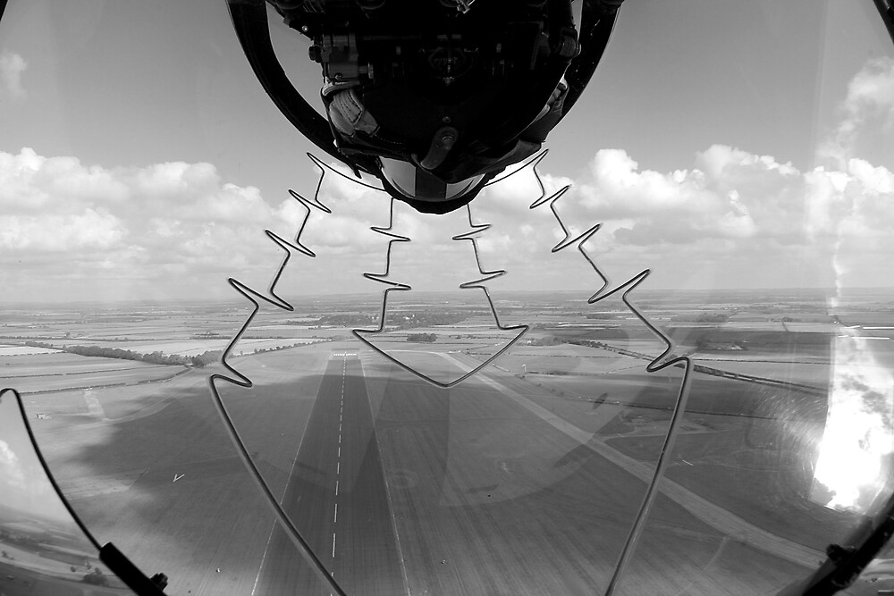Red Arrows Inverted Pass by David Chadderton