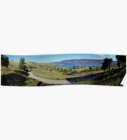 hume weir looking over Tallangatta,panorama Poster
