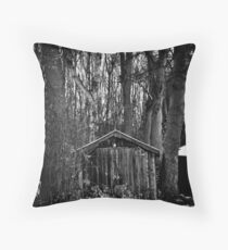 Old Shed - Scotland Throw Pillow