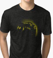 I Shoot with my nikon (Halftone style) Tri-blend T-Shirt