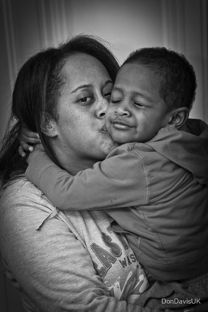 Who Loves Ya Mummy? by DonDavisUK