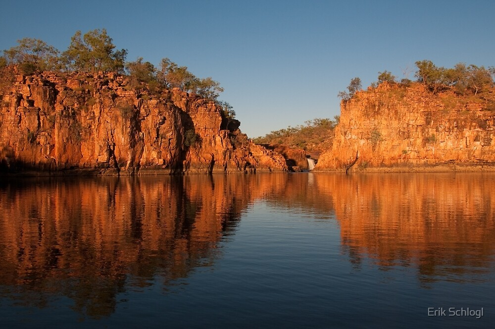 Malkgulumbu, South Western Arnhem Land, Australia by Erik Schlogl