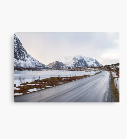 The road in the mountains Canvas Print