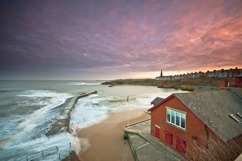 Cullercoats harbour by james  thow