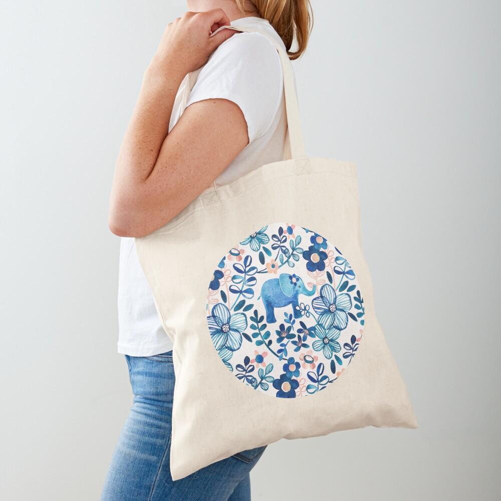 Rosa, weißer und blauer Elefant und Blumenaquarell-Muster erröten Stofftasche