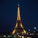 La tour de Eiffel at night by Ronny Stiffel