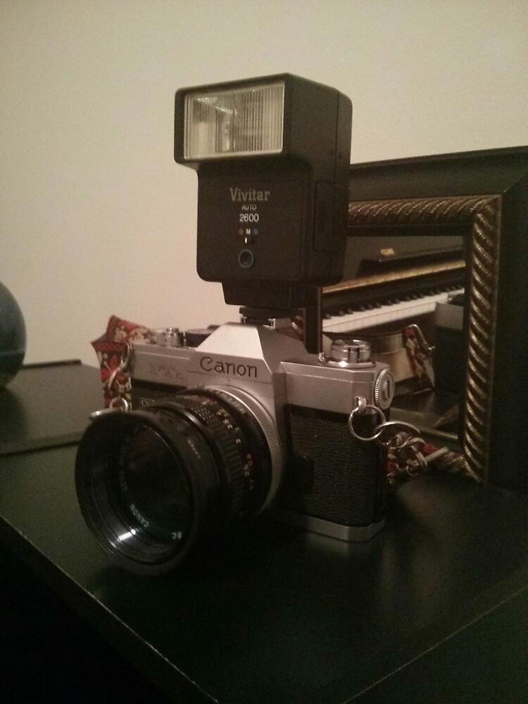 Old school canon camera :) by Paroy