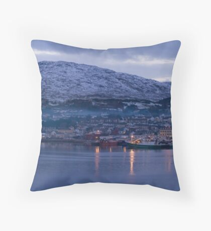 killybegs dusk Throw Pillow