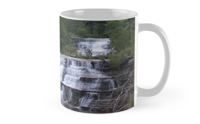 Waterfall by aeramin