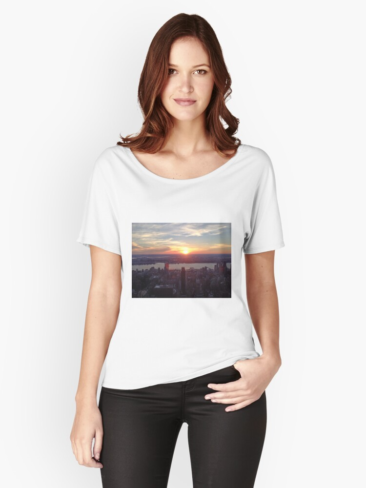 NYC views Women's Relaxed Fit T-Shirt Front