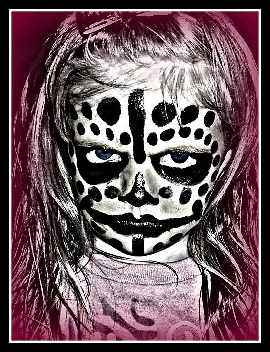 Ire Skull by bluezchick