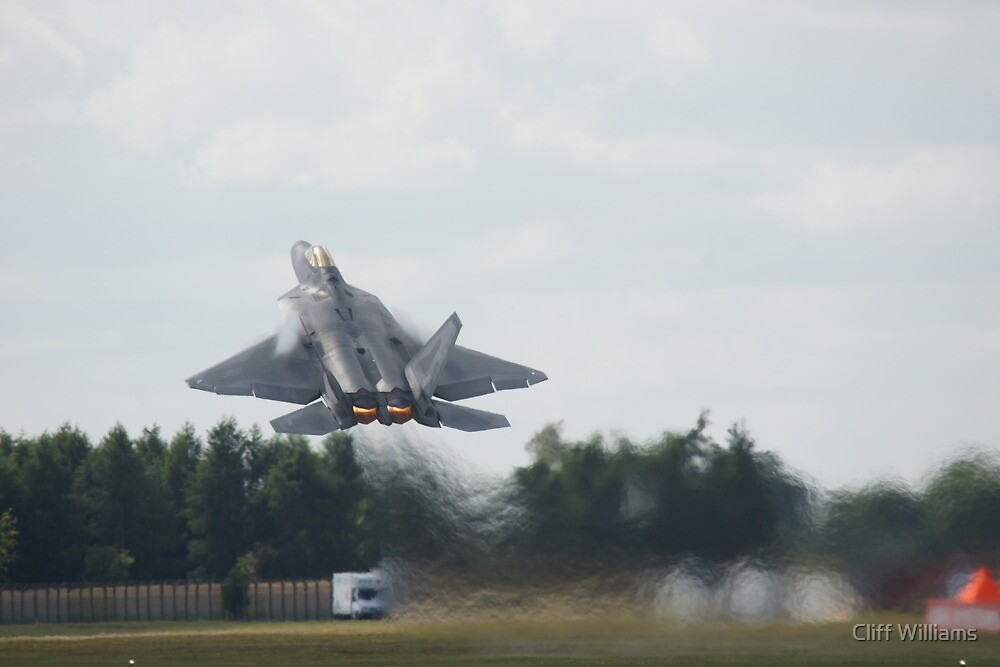 Raptor rips the Sky by Cliff Williams