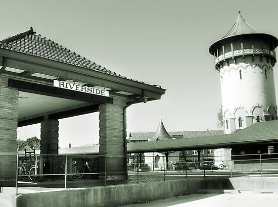 Riverside IL Train Station by brian gregory