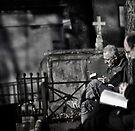 Silent reading... by Farfarm
