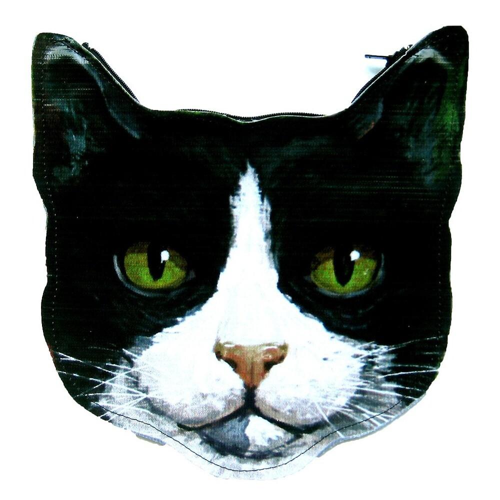 kitty  by emerbelle