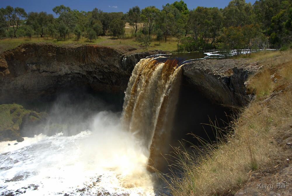 Wannon Falls by Kerry  Hill