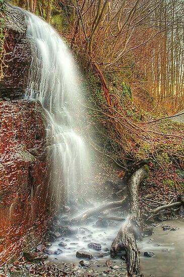 Kemback Waterfall by Don Alexander Lumsden (Echo7)