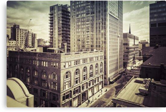 Toronto III by hraunphoto