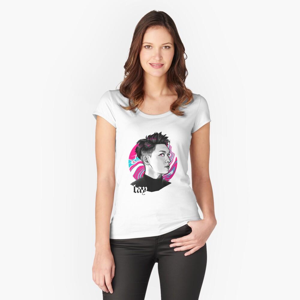 Lay electric kiss  Camiseta entallada de cuello ancho