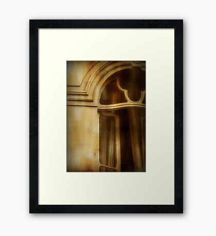 Come to my window...© Framed Print