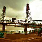 Hawthorne bridge by Lee Potter