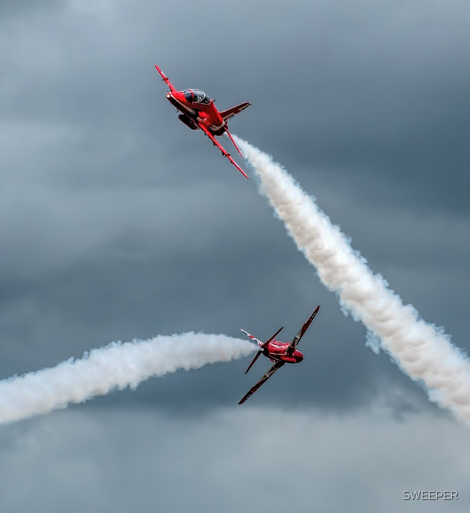 Red Arrows Crossover (1) by SWEEPER