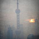 Pearl Tower - Shanghai by pennyswork