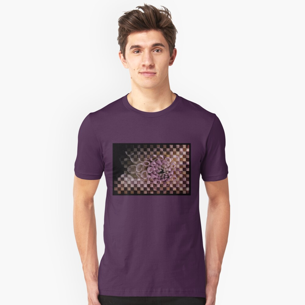 Dahlia in pink, checkered (T-Shirt) Unisex T-Shirt Front