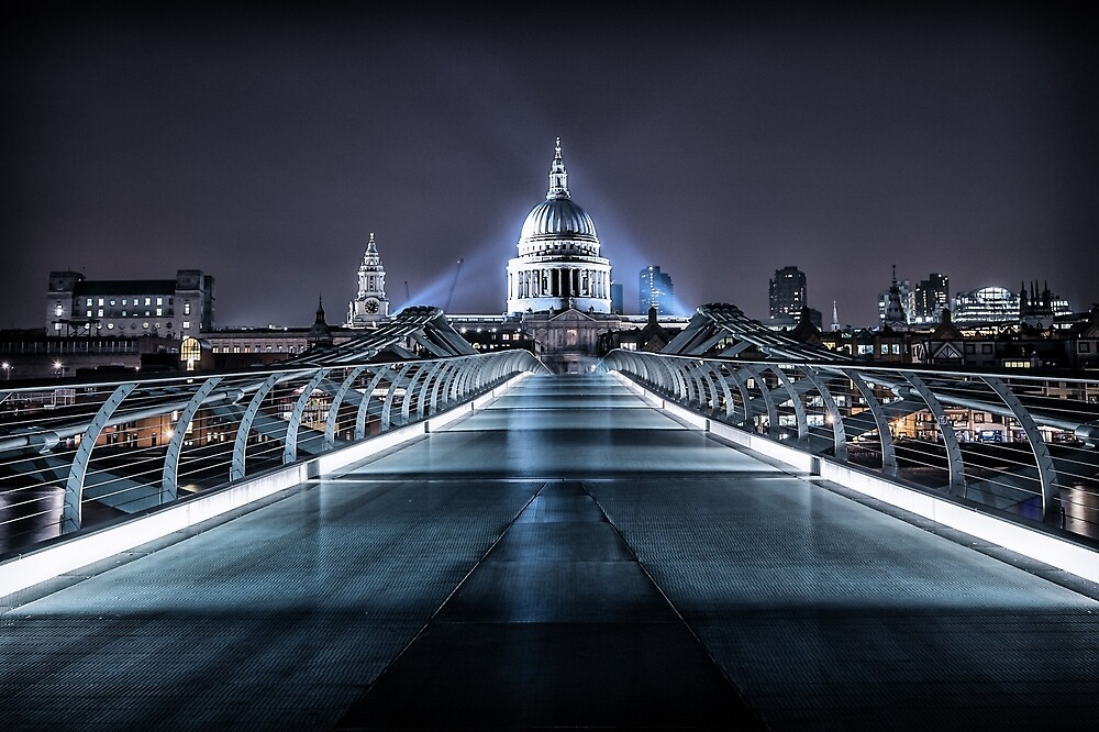 St Paul's Cathedral  by rowanhunn