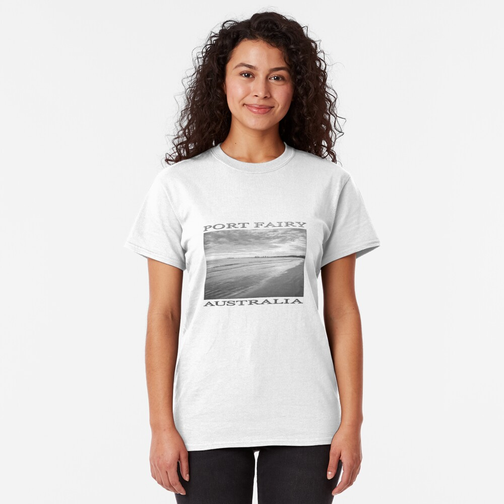 Sunrise at Port Fairy (b&w graphic sketch) Classic T-Shirt