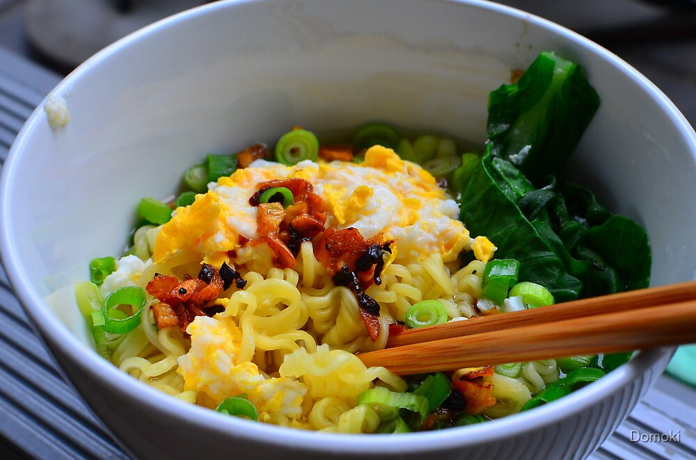 Noodles with eggs and chinese broccoli by Domoki