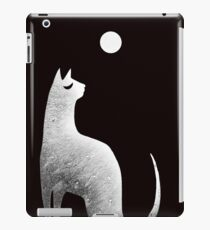 Ghost Cat and Moon in black and white iPad Case/Skin