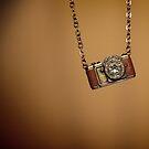 camera necklace by weglet
