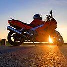 « Pause motarde au coucher de soleil @ Sol'So Photografée  » par Marianne Sol'So