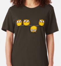 Eine ganz neue Perspektive für die Eule Slim Fit T-Shirt