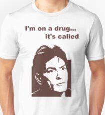 Camiseta unisex estoy en una droga
