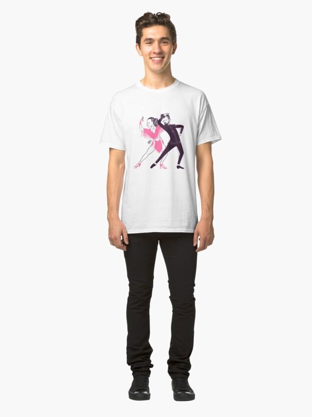 Vista alternativa de Camiseta clásica Bailarines de mambo en un show