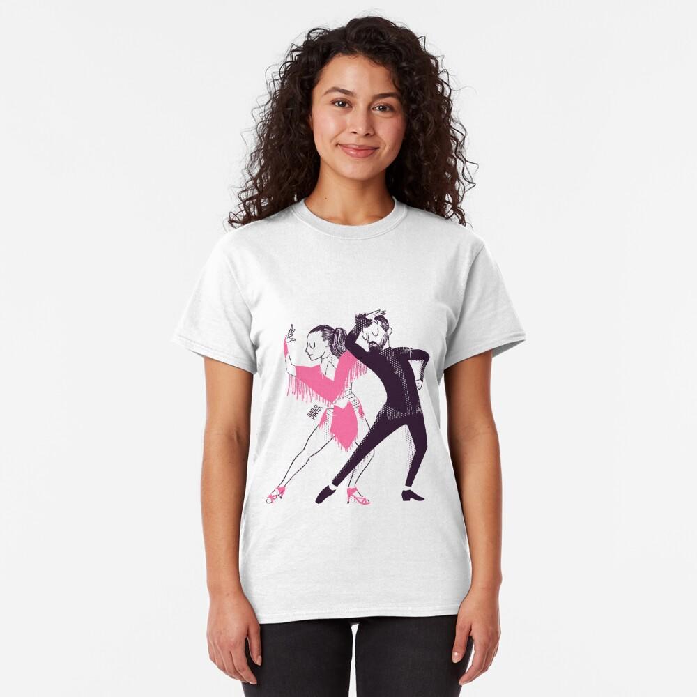 Bailarines de mambo en un show Camiseta clásica