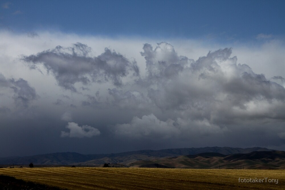 Cloudy Days are Back Again by fototakerTony