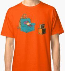 calvin and hobbes wacthing tv Classic T-Shirt