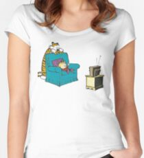 calvin and hobbes wacthing tv Women's Fitted Scoop T-Shirt