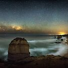 The Night at 12 Apostles by hangingpixels