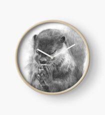 Meditierender Otter (schwarz-weiß) Uhr